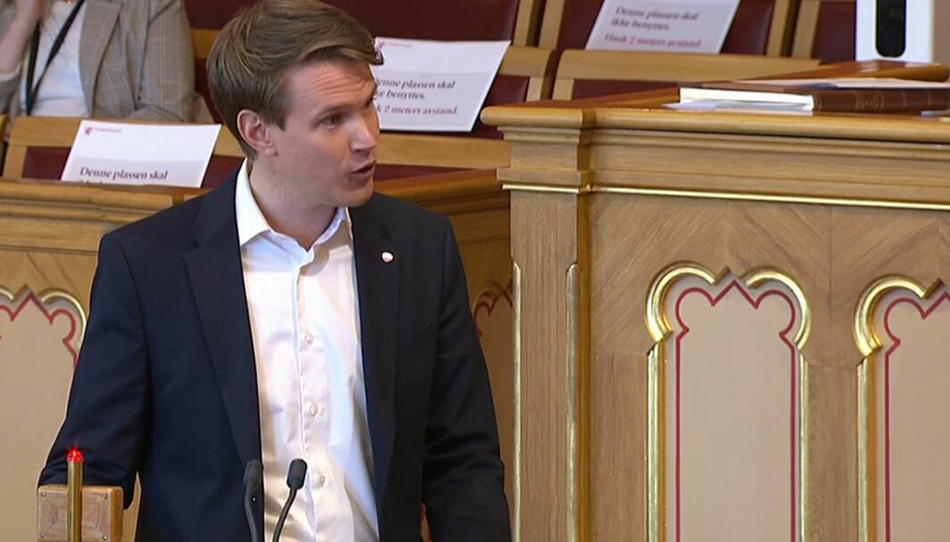 Torstein Tvedt Solberg (Ap) stilte statsråden en rekke spørsmål om endringer i barnehageloven.