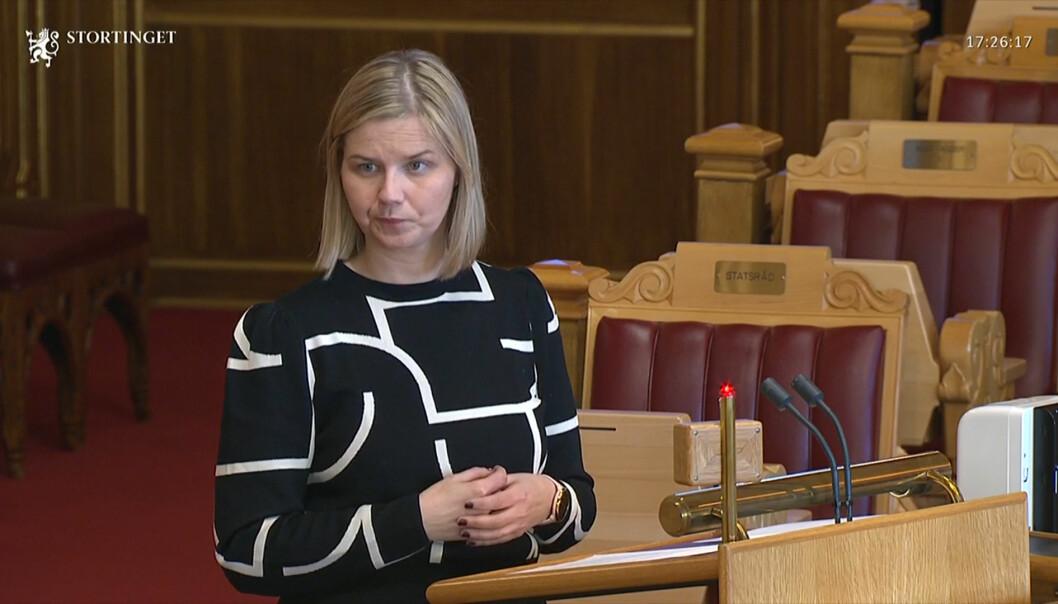Kunnskapsminister Guri Melby (V) og regjeringen har sendt over et lovforslag til Stortinget.