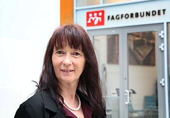 """<span class="""" italic"""" data-lab-italic_desktop=""""italic"""">May Britt Sundal er leder av Yrkesseksjon kirke, kultur og oppvekst i Fagforbundet.</span>"""