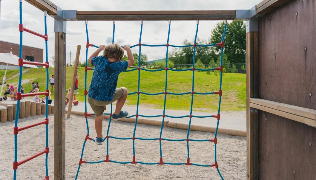 – Mellom åtte og tolv prosent av barn i barnehagen opplever jevnlig utestenging fra lek eller ulike former for krenkelser, skriver FUB-leder Einar Olav Larsen.